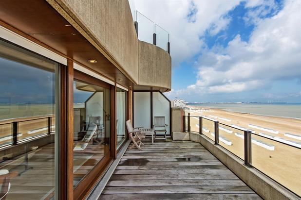 Appartement op de zeedijk met grote terrassen