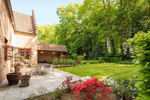 Vlaamse renaissance villa op een terrein van 1661 m2 vlakbij het kasteelpark van Bazel