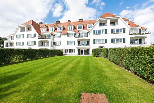 Luxueus appartement volledig gerenoveerd gelegen in een villa-residentie
