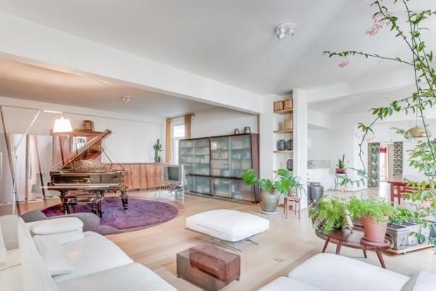 Charmante lichte loft van 220 m² gerenoveerd
