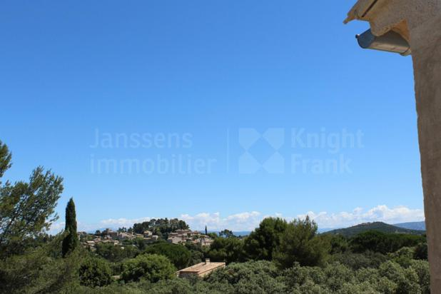 Villa for sale at Eygalières with reference 19701024960