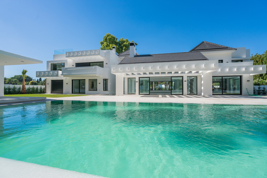 Golf & Strand Villa te koop in Guadalmina Baja, Marbella West