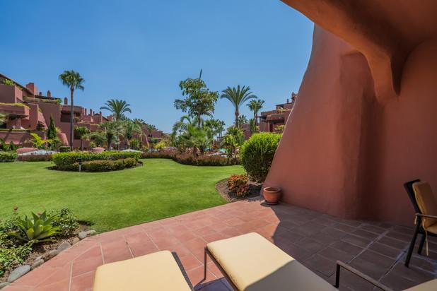 Begane grond appartement te koop in Marbella West, Costa del Sol