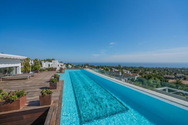Penthouse met panoramisch uitzicht te koop in Marbella Golden Mile