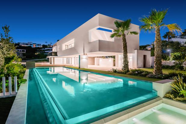 Villa te koop in La Alqueria, Benahavis