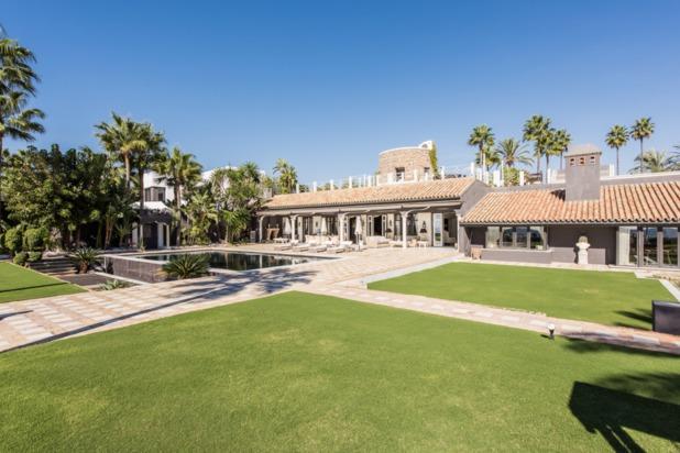 Villa te koop in Los Monteros Playa, Marbella Oost