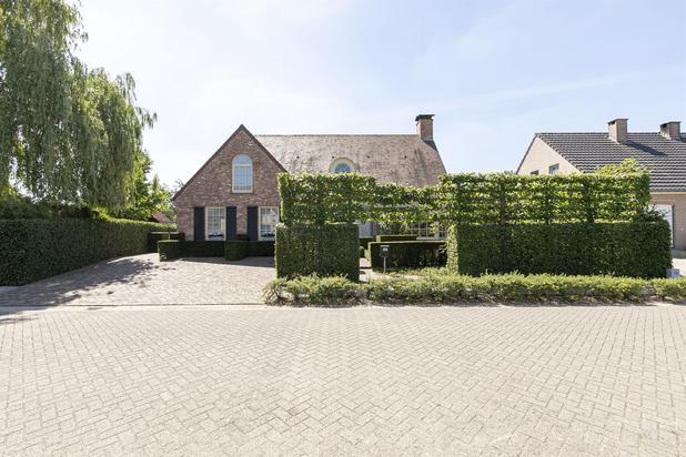 Prachtige villa met praktijkruimte te Herselt.