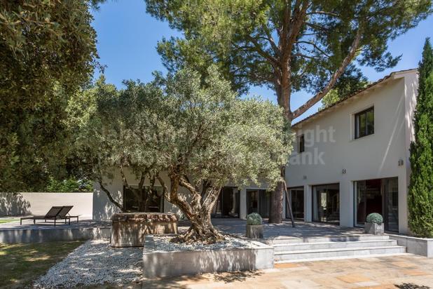 Villa avec piscine à vendre à Châteauneuf de Gadagne