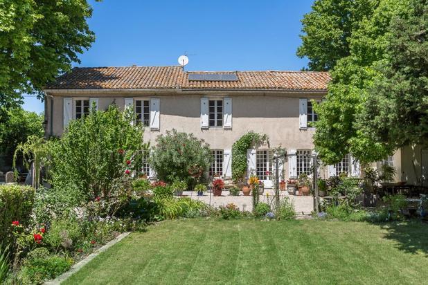 Mas avec piscine à vendre proche de Châteauneuf-du-Pape