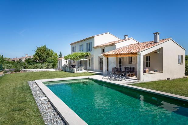 Superbe villa avec piscine à vendre proche du centre de l'Isle sur la Sorgue