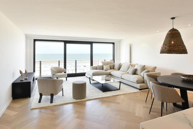 Zeer mooi gerenoveerd appartement met 3 slaapkamers