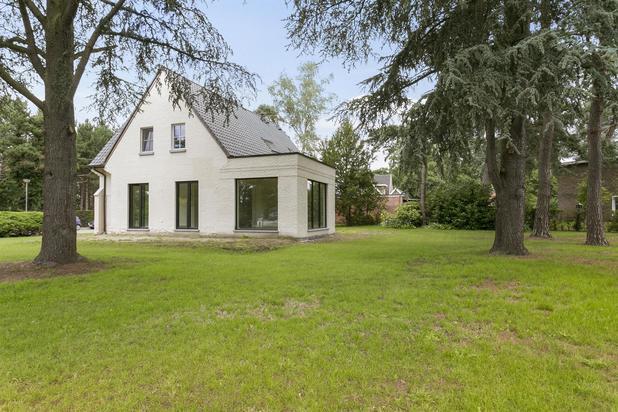Stijlvolle, gerenoveerde villa met karakter op 1.667 m² te KEERBERGEN