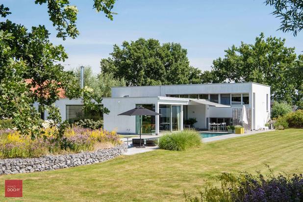 Zeer goed gelegen moderne villa te koop