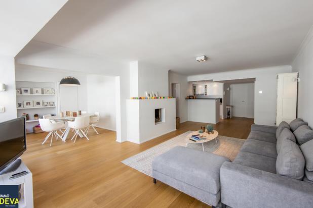 Instapklaar appartement (8.10m gevelbreedte), rustig gelegen en toch vlakbij de winkels van de Lippenslaan.
