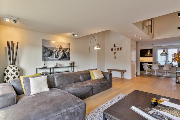 Appartement avec mezzanine clé-sur-porte, situé à distance de marche de la mer / Albertplage.