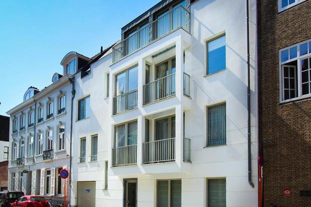 Klassevol wonen met terras en privé garage Brugge centrum