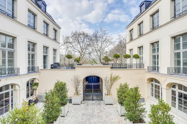 Paris - Duplex exceptionnel de 270m² dans un monument historique de renom à la localisation centrale exceptionnelle en bord de Seine.
