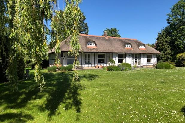 Drève Pittoresque ravissante villa style cottage sur terrain de fonds de 26 ares