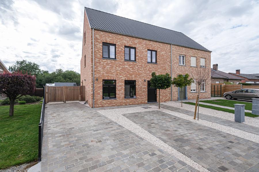 Instapklare pastorijwoning op een perceel van 750 m² te Hulshout.