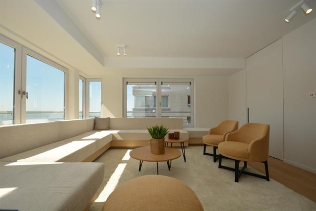 Zonnig appartement met uitzonderlijk zicht op zee en Rubensplein...