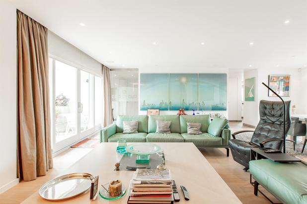 Spacieux appartement penthouse, luxueux avec vue dégagée sur les jardins et au calme