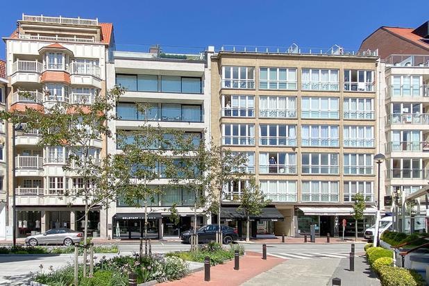 Klassevol zonnig appartement in het centrum van het Zoute, tussen het Albertplein en het Driehoeksplein.