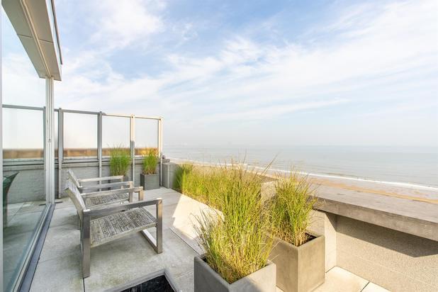 Penthouse-appartement met panoramisch zeezicht