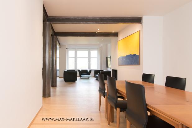 Luxe penthouse met dakterras en parkzicht