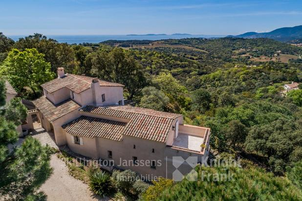 Villa for sale at Gassin with reference 19300807336