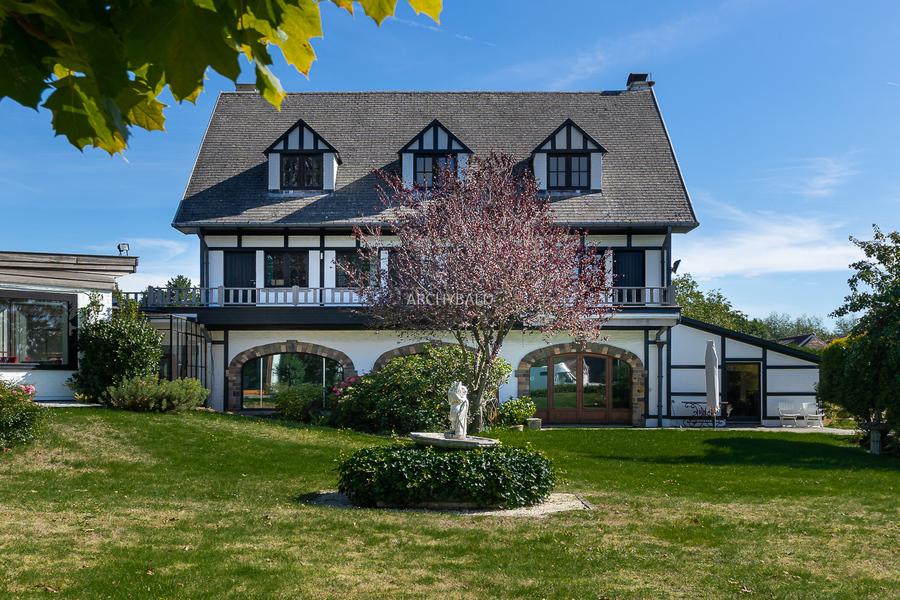 Ravissante villa à colombages