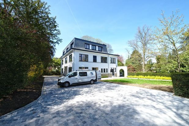 Villa for rent at UCCLE with reference 19101352009