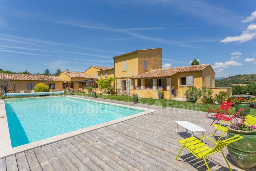 Villa for sale at Céreste with reference 19800758454