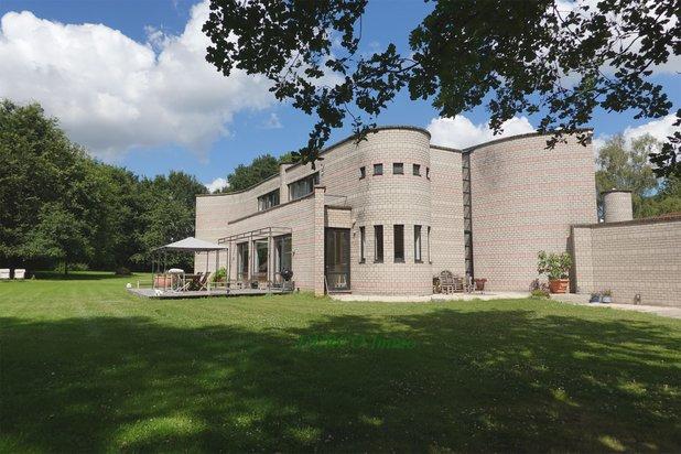 modern villa (architect Metzger ! ) on 5,200 m2 * very quiet * nice VIEW