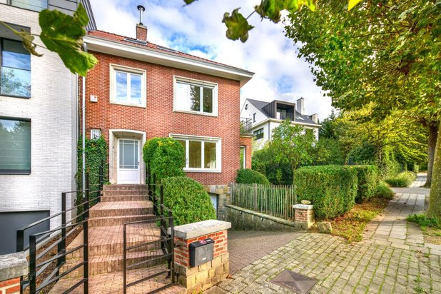 Villa for rent at UCCLE with reference 19701165003