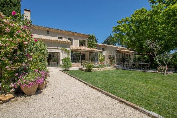 Villa te koop in Uchaux met referentie 19201666845
