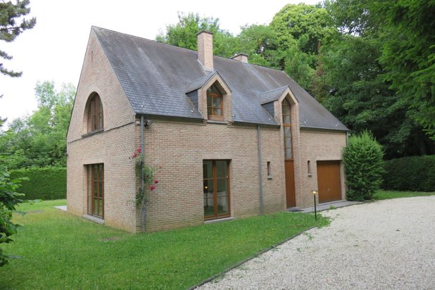 Villa for rent at RHODE-SAINT-GENESE with reference 19701176430