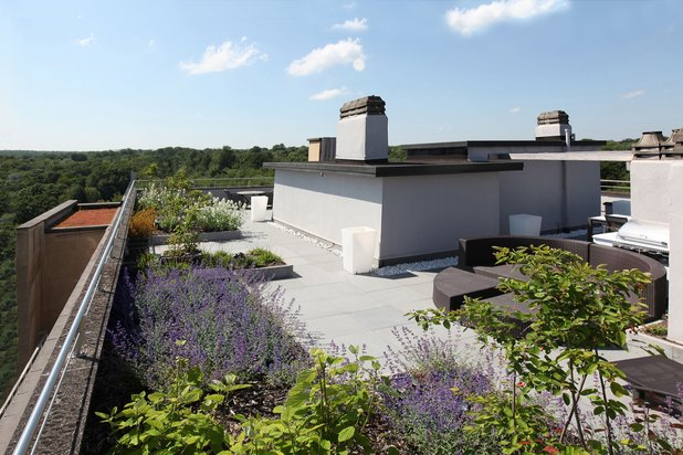 Splendid penthouse of high standing with roof terrace