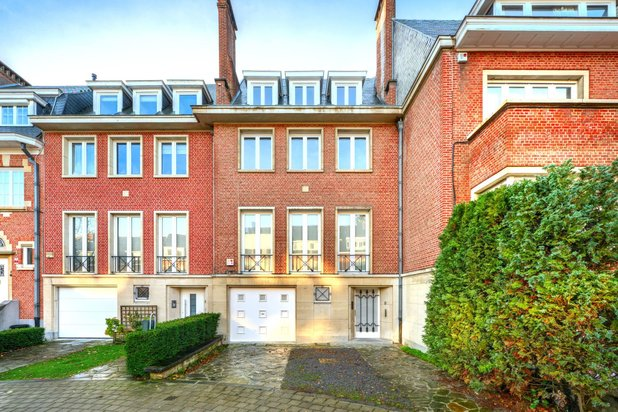 Villa for rent at IXELLES with reference 19601980911