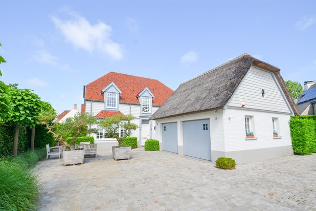 Villa for sale at Knokke-Heist with reference 19301783923