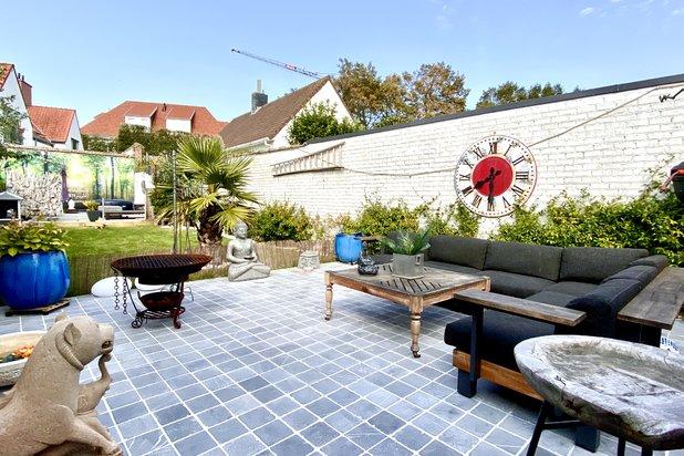Gezellige woning met grote en zonnige tuin te koop in Oud Knokke