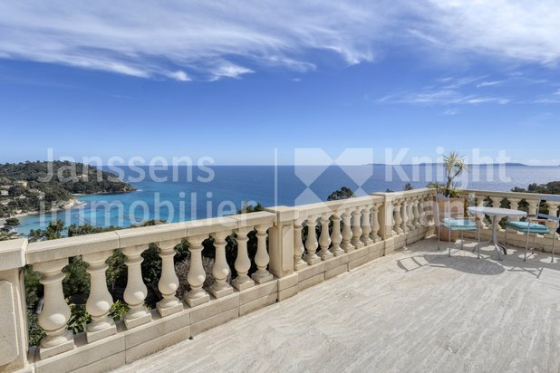 Villa for sale at Rayol-Canadel-sur-Mer with reference 19902006119