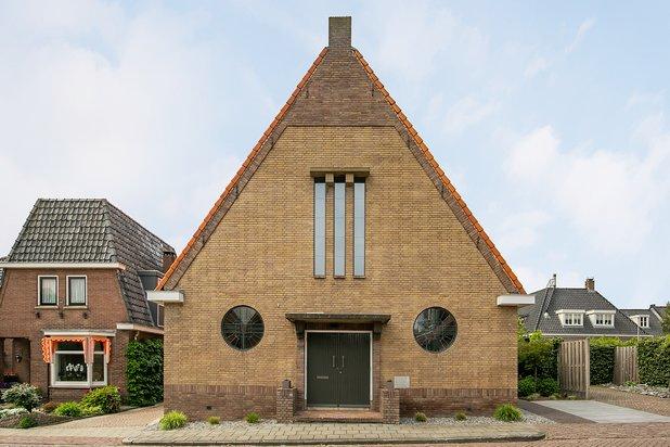 Luxe villa in voormalige kerk!
