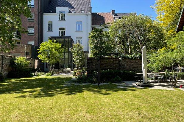 Exclusieve herenwoning op een perceel van 1.438 m²