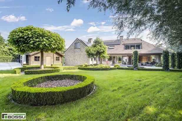 Luxe villa centrum Rumbeke in een oase van rust