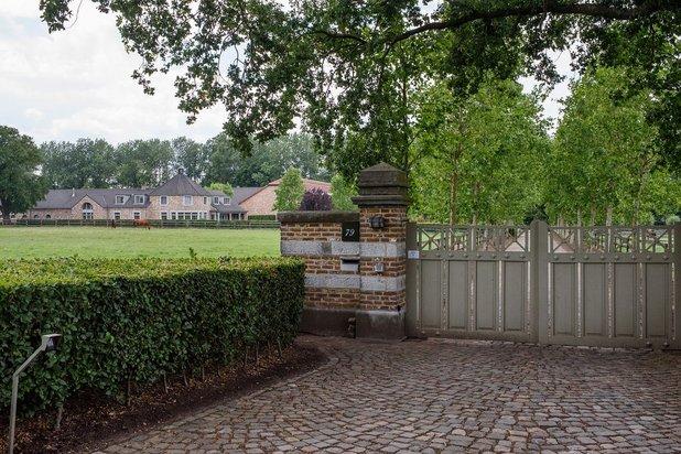 Exclusief domein met binnenpiste op ca. 20 ha te Meeuwen-Gruitrode