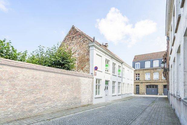 Magnifiek gerenoveerde woning met uitzonderlijk terras in hartje Brugge