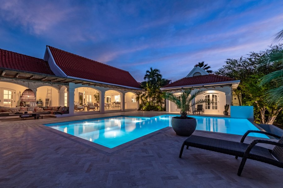 Villa in Curacao met uitzicht over het glinsterende turquoise water