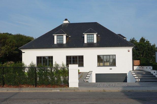 villa de luxe sur 12 are * site residentiel très recherché * bord vert de LEUVEN