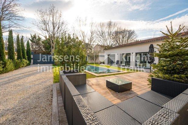 Maison contemporaine avec piscine à vendre à Saint-Rémy de Provence