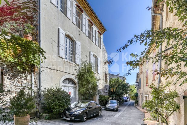 Magnificent House Town of 17th century for sale in St Julien Le Montagnier